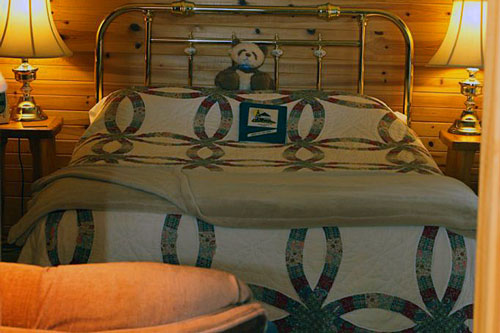 Bedrm-BlairBend-Riverside-Room-3ps